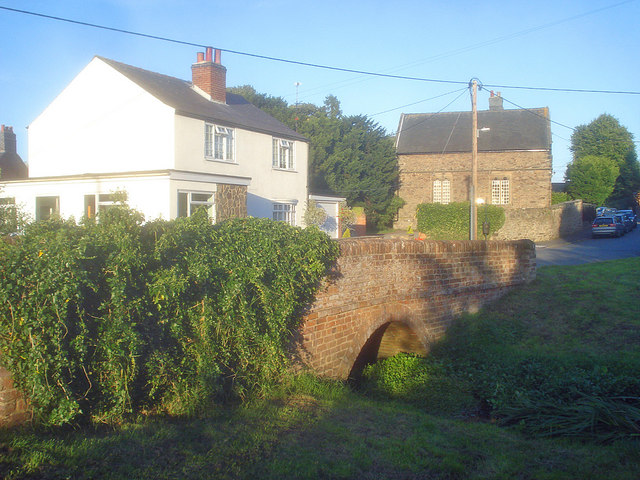 Bridge over the stream at Osgathorpe