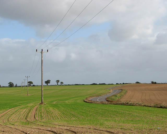 View east across fields beside the B1136 (Loddon Road)