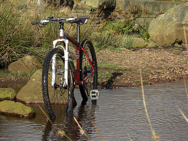 Bike in Birchen Clough