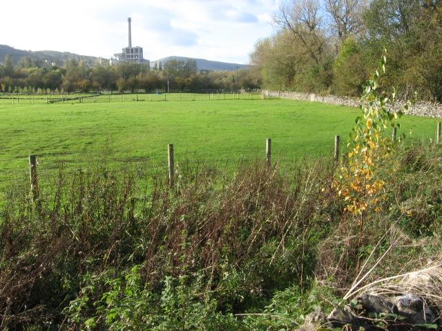 Near Meadows Farm beside Hope Quarry