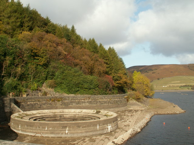 Ladybower Reservoir west bellmouth high and dry