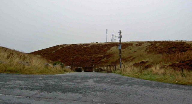 Gate and telecommunications masts off Kex Gill road