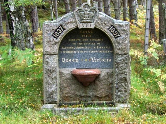 Memorial near Littlemill