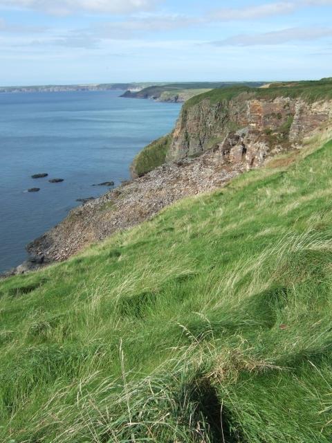 Cliffs seen from Settling Nose