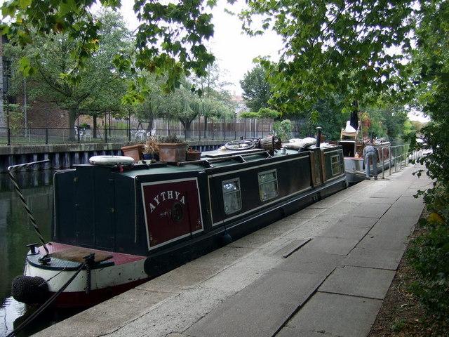 Narrowboat homes