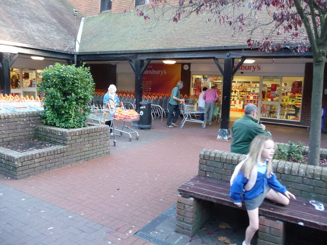 Ringwood : Meeting House Shopping Centre