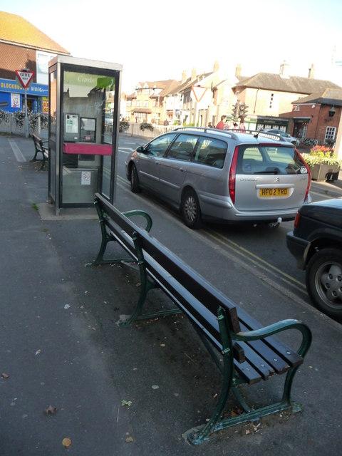 Ringwood : Southampton Road, Bench & Phonebox