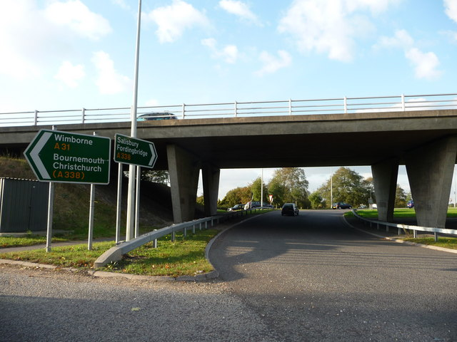 Ringwood : The B3347 under the A31