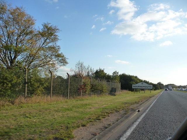 Bournemouth : A338 Roadside & Bournemouth Sign