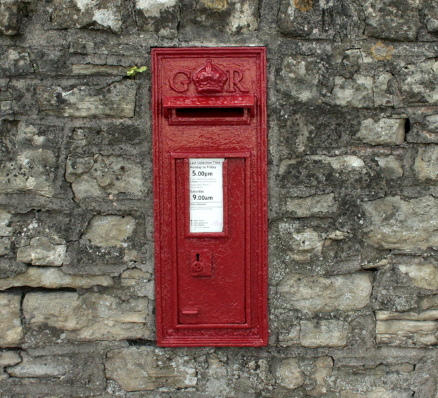 2009 : George V wall postbox, Salisbury Road, Paulton