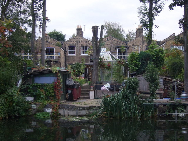 Gardens bordering the canal