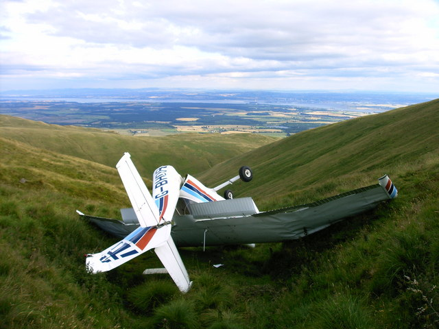 Cessna Crash In The Ochil Hills 169 John Chroston Cc By Sa 2