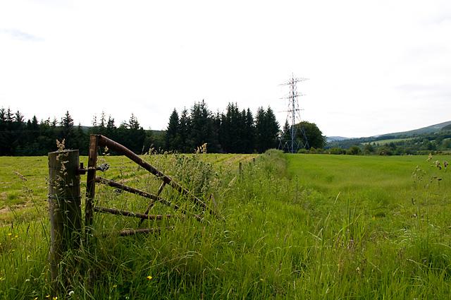 Broken Gate and Farmland near Dal Neich