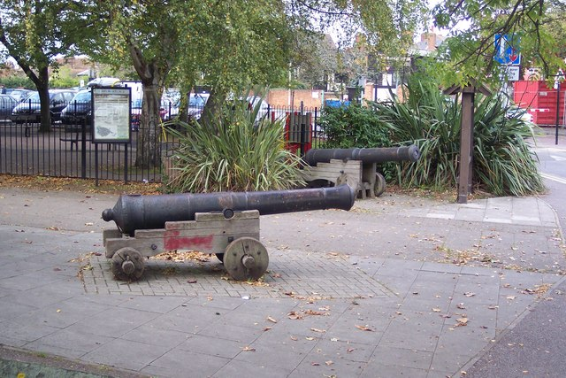 Cannons beside Faversham Pools