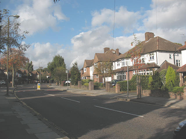 Houses on the east side of Riefield Road