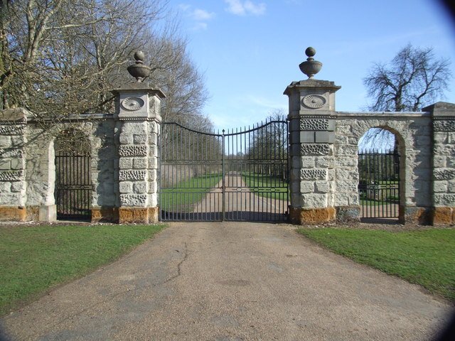 Entrance to Easton Neston Park