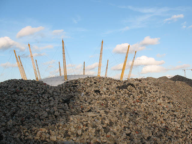 Rubble near the O2 (1)