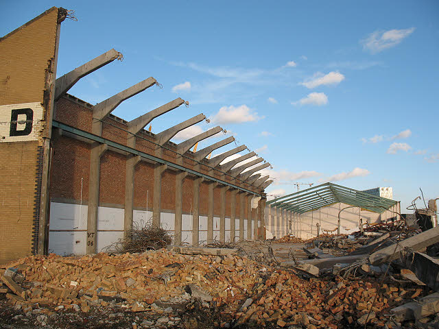 Demolition of Delta Wharf (1)