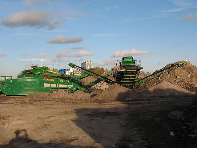 Hanson aggregates (2) - crushing machinery