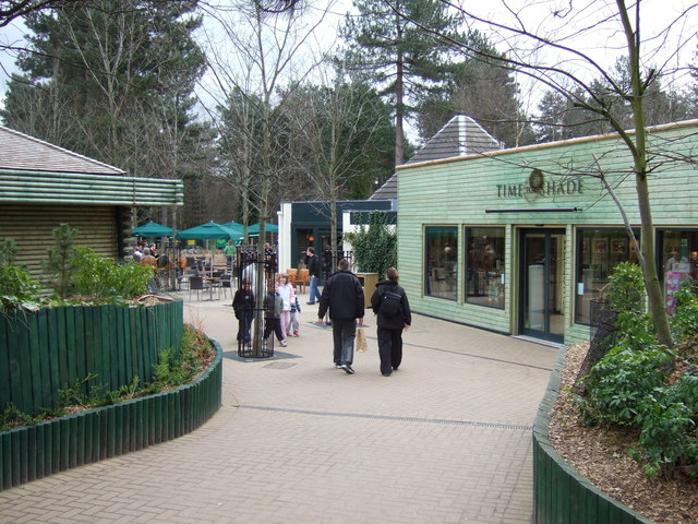 Time For Shade CentreParcs Sherwood  Oliver Hunter ccbysa