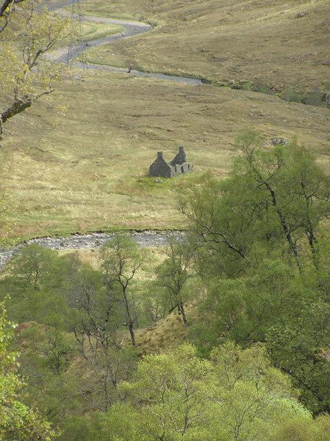 Ruin in Gleann Dubh Lochain