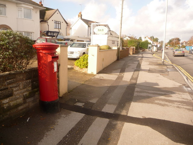 Hamworthy: postbox № BH16 159, Blandford Road