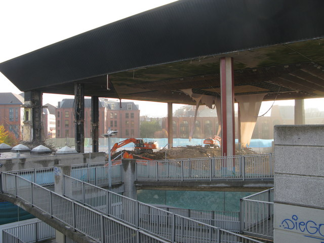 Leeds international pool demolition alan longbottom geograph britain and ireland for Leeds international swimming pool