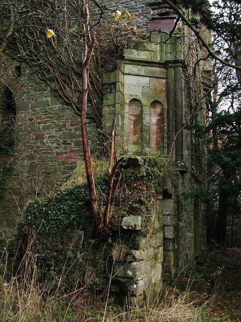 Kilmahew Castle - SW corner