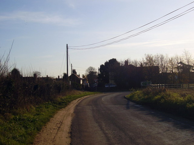 Hall road to Earsham