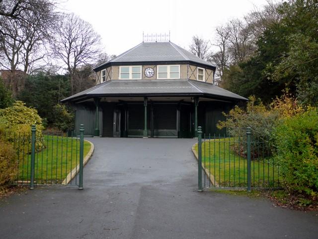 Almond Pavilion, Saltwell Park