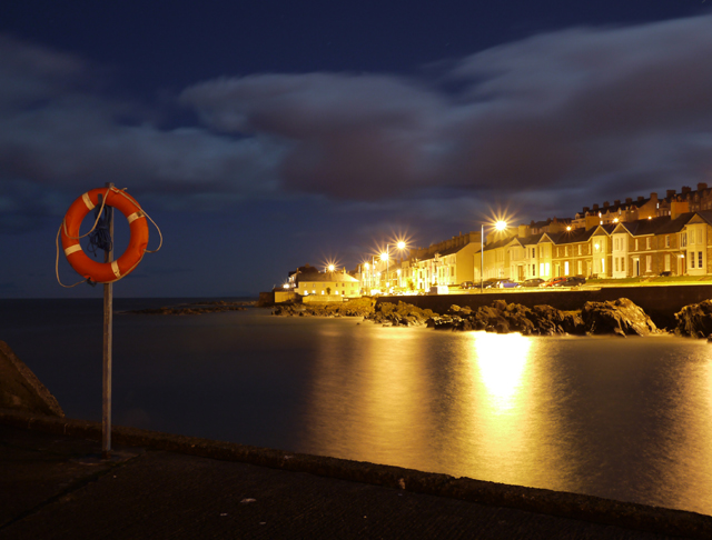 The Seacliff Road at night