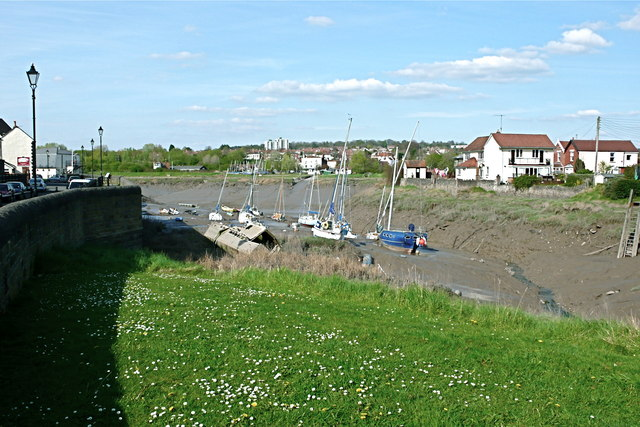 Pill Harbour with boats on the mud at low tide