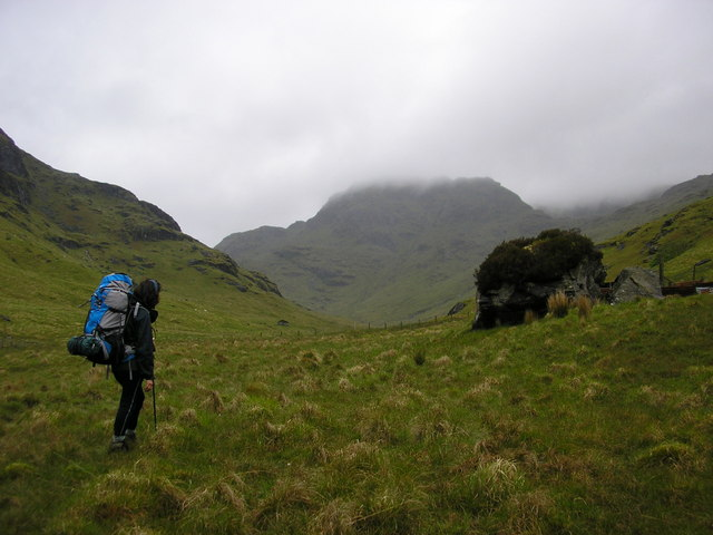 Moving up the Ishag Glen