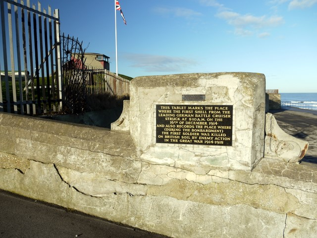 Memorial plaque near the Heugh Battery
