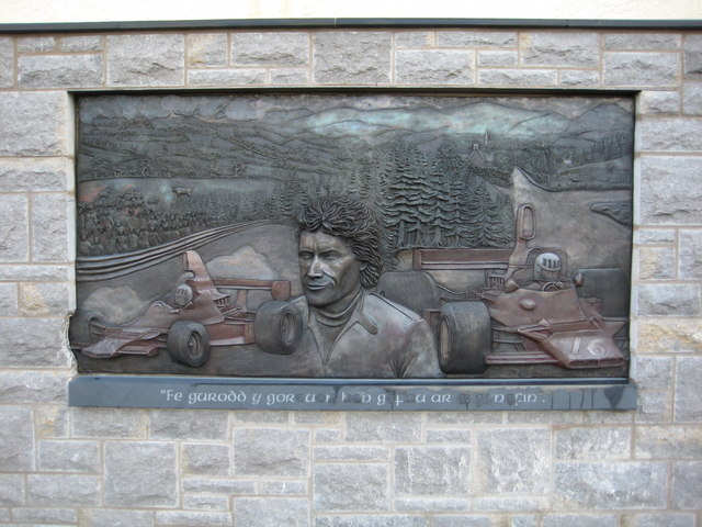 Memorial to Tom Pryce, additional information