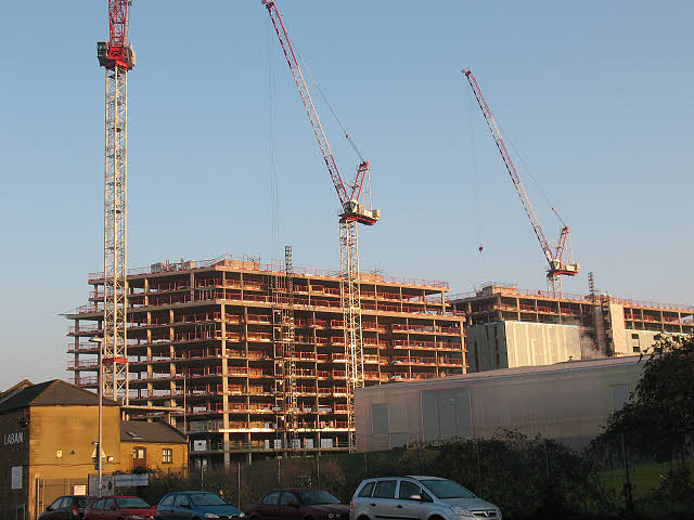Copperas Street: apartments in construction