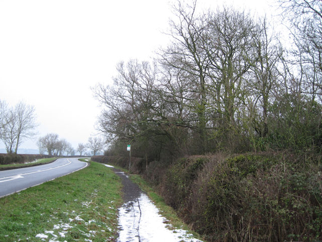A413 looking North towards Hardwick from  New Road junction