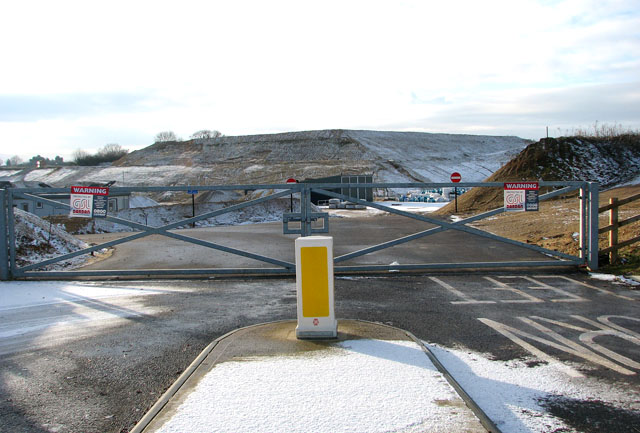 Gate into Lafarge Quarry west of the A140