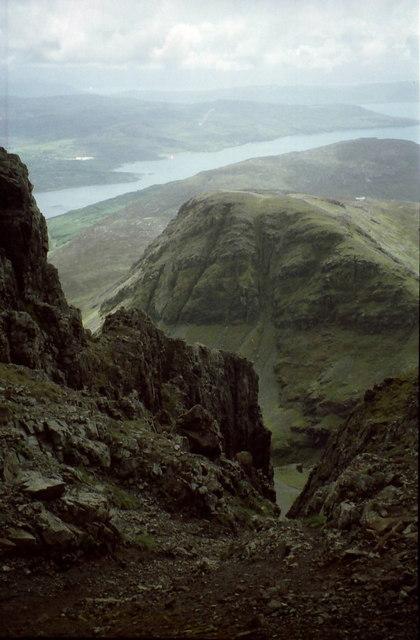 Crags on east ridge of Blabheinn