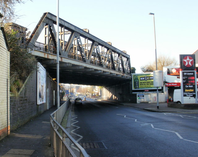 St3188 Chepstow Road Railway Bridge2 Newport Pictures