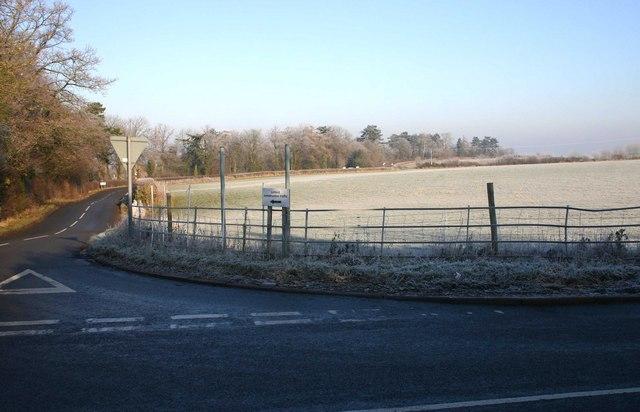 Moreton Hill, Moreton Paddox