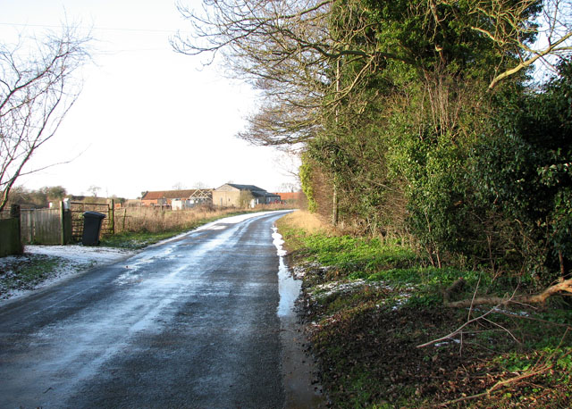 View along Low Road