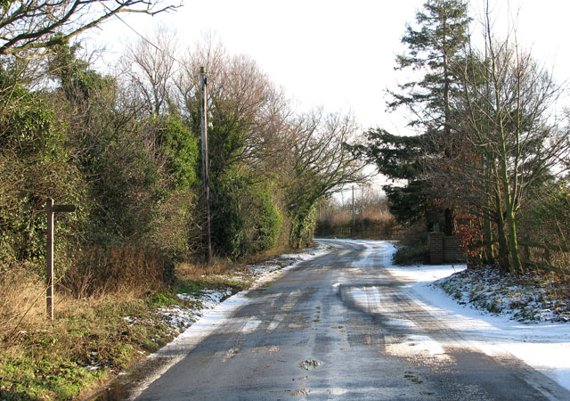Low Road past Carr Farm Cottages