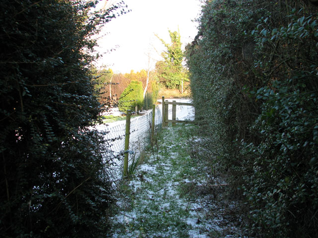 Footpath from New Road to Low Road