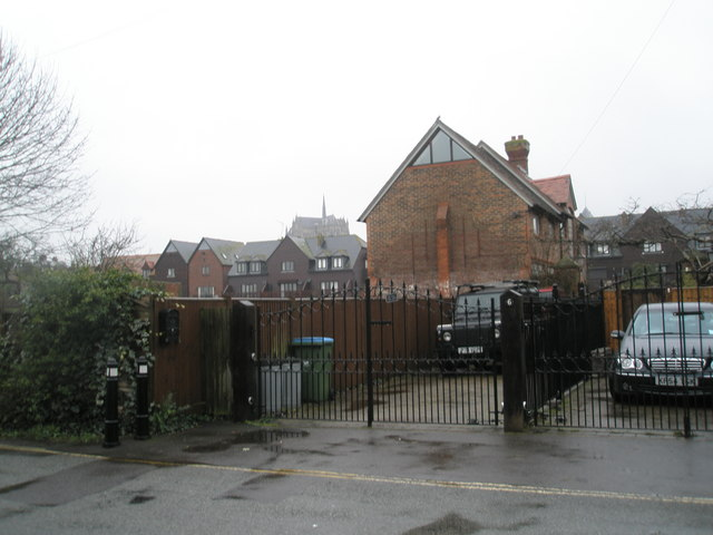 Looking from Fitzalan Road towards the cathedral