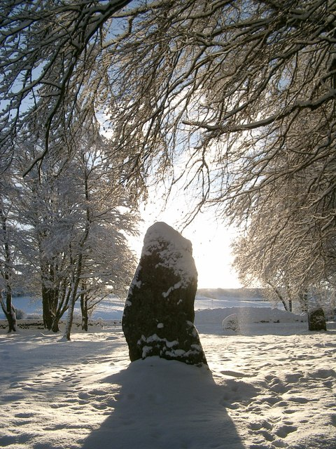 Clava Cairns - Standing Stone - Midday Christmas 2009