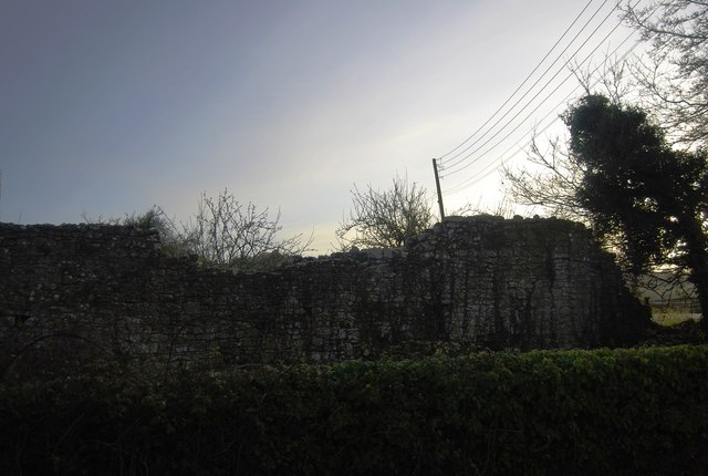 Ruined wall, Cleeve Abbey