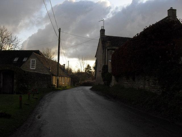Road through Swinbrook