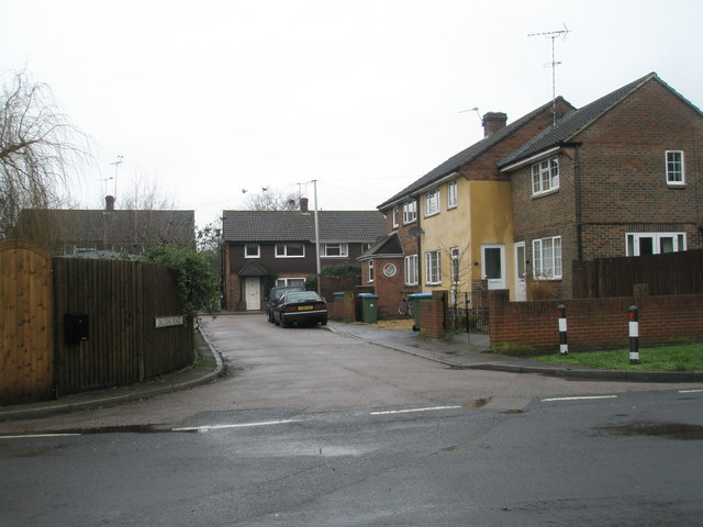 Looking from Fitzalan Road into Dalton's Place