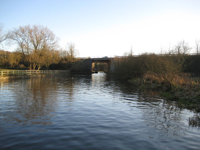 Grand Union Canal: M25 Motorway spur bridge